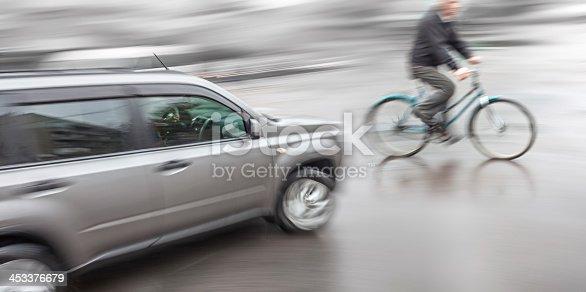 istock Dangerous city traffic situation 453376679