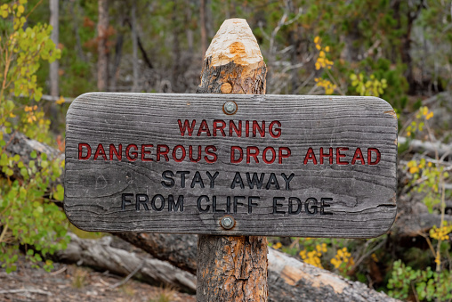 Dangerous cliff sign
