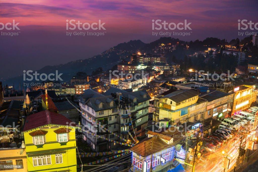 Blick auf die Stadt Darjeeling aus hohen Winkel gedreht, Westbengalen, Indien – Foto