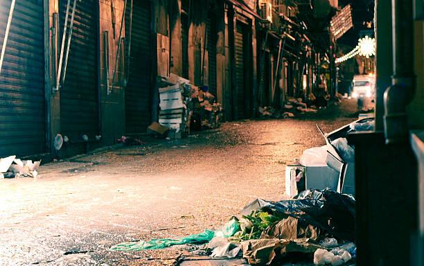 Oscuridad alley - foto de stock