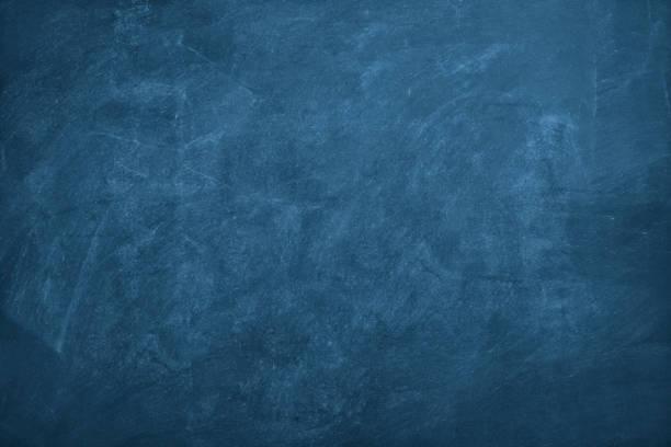 blackboard bleu foncé - ardoise photos et images de collection