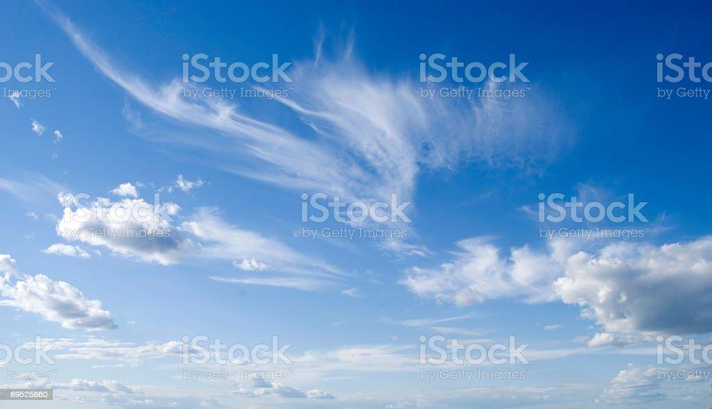 Темно-синее небо и облака Стоковые фото Стоковая фотография