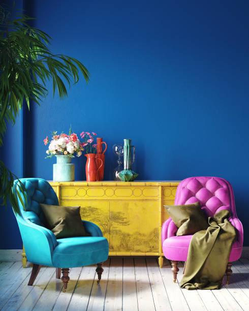 ciemnobarwne wnętrze domu z meblami retro, salon w stylu meksykańskim - jaskrawy kolor zdjęcia i obrazy z banku zdjęć