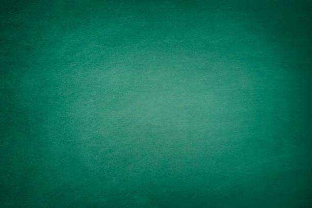 donker groene blackboard - groene acthergrond stockfoto's en -beelden