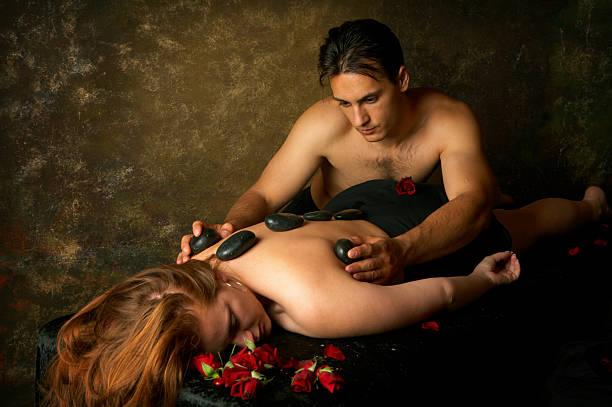 dunkle massage - tantra massage stock-fotos und bilder