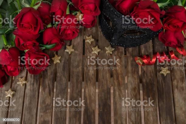 Dark red roses on table picture id905569220?b=1&k=6&m=905569220&s=612x612&h=v2jywlyi6gfseglrdgbkwf5x6sbwlhcnvexnrtiw8 m=