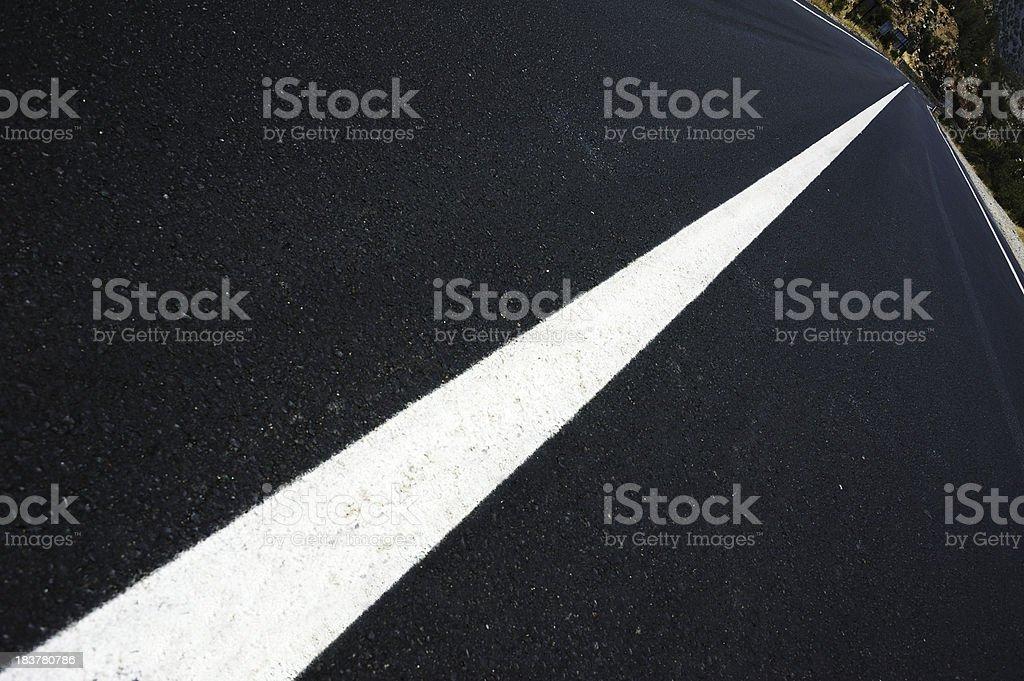 Foto De Dark Road Diagonal Linha Branca E Mais Fotos De Stock De Abstrato Istock