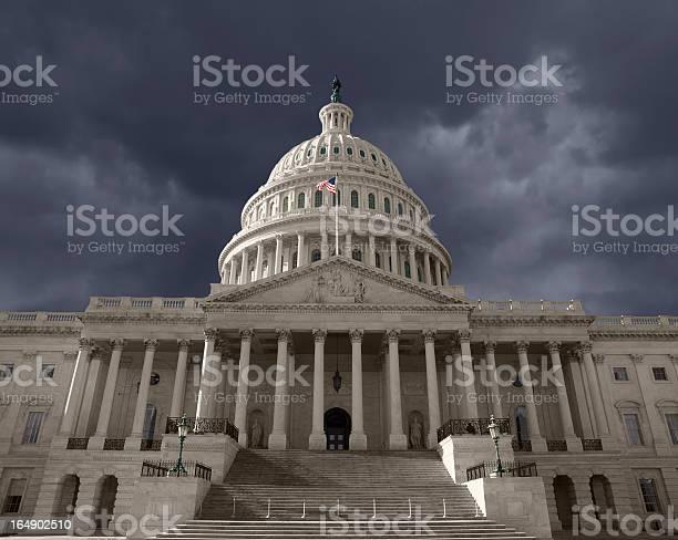 Dark sky over the united states capitol picture id164902510?b=1&k=6&m=164902510&s=612x612&h=rcmbx lltyjzhixcx5khdid94b17d5ljjnkn lj5vrc=