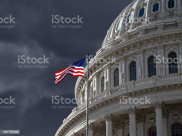 Dark sky over us capitol building picture id164755262?b=1&k=6&m=164755262&s=612x612&h=nr0a9wsjz6v2xknylnvavu8emcr qhtrkraesvkfe64=