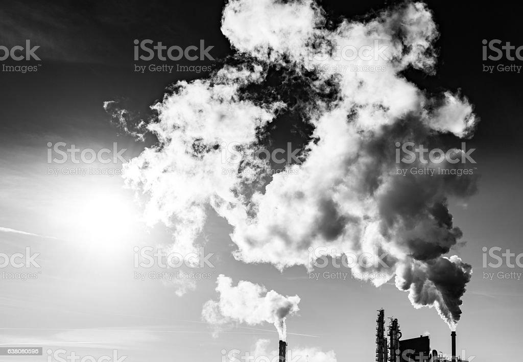 Dark smoke from the chimney foto