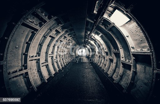 istock Dark tunnel with interesting structures 537695592
