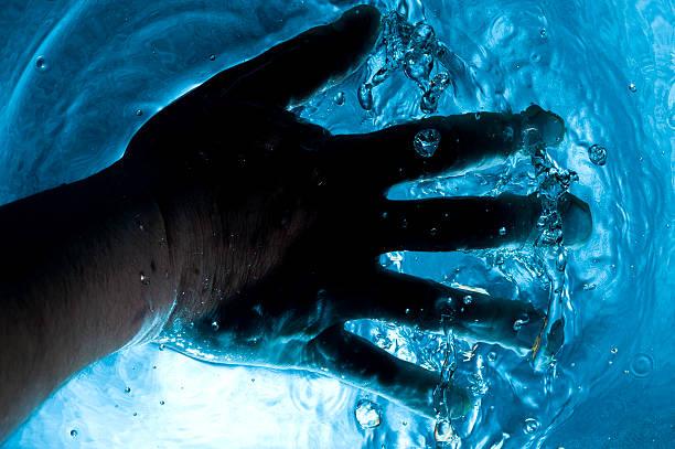 Oscuridad de agua - foto de stock