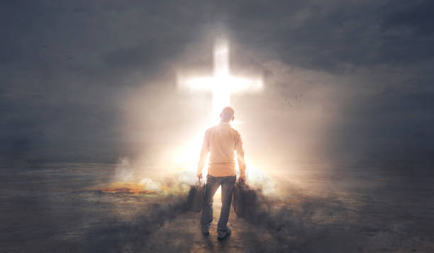 obscurité et lumière - jesus croix photos et images de collection