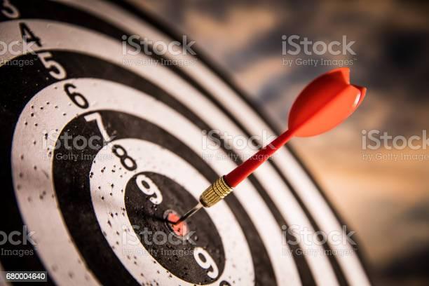 Dart in bulls eye picture id680004640?b=1&k=6&m=680004640&s=612x612&h=3qarb m0cpxdy5xmfziblh2bj odc6fobjhvpkteu0s=