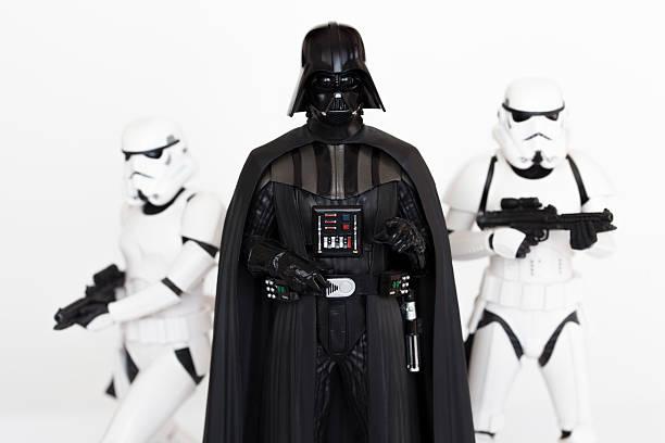 darth vader e os stormtroopers - star wars - fotografias e filmes do acervo