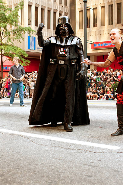 darth vader character walks in atlanta dragon con parade - darth vader 個照片及圖片檔