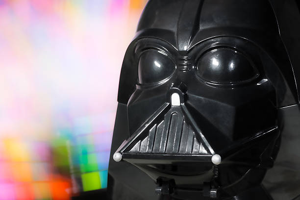 darth vader head portrait toy from star wars saga movie - darth vader 個照片及圖片檔