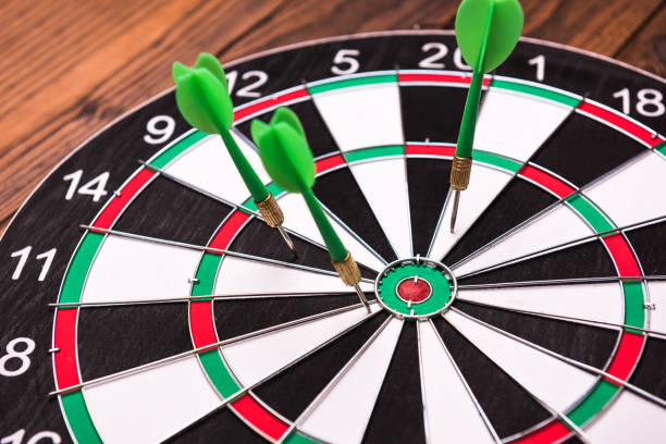 Darts missing the bulls eye Business concept, failure dart stock pictures, royalty-free photos & images