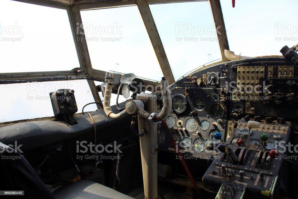 Dashboard old airplane zbiór zdjęć royalty-free
