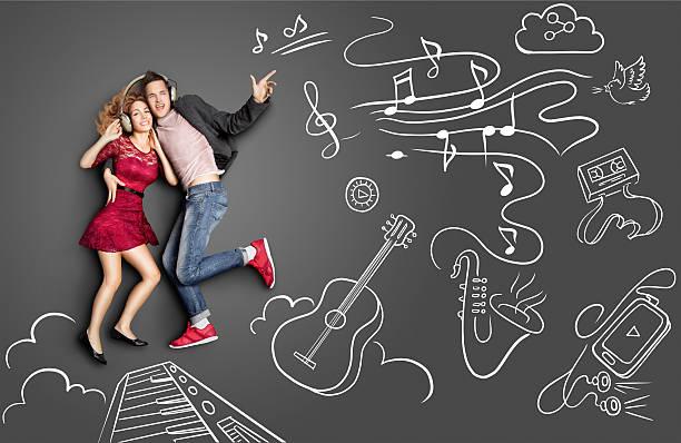data e música. - desenhos de notas musicais - fotografias e filmes do acervo