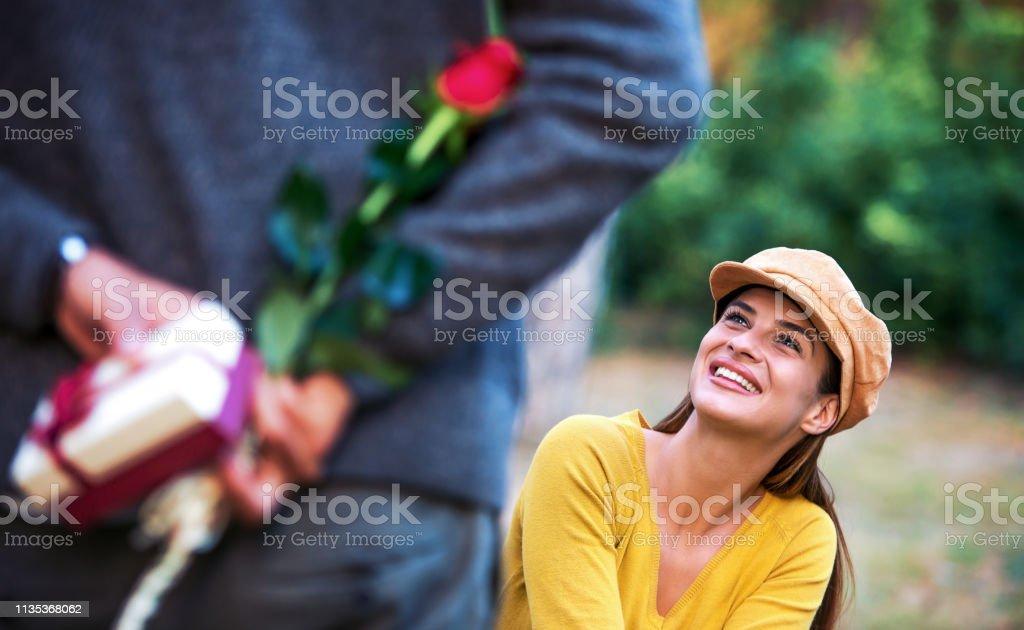 Rencontres avec un homme plus jeune contre