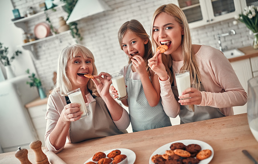 494086690 istock photo Daughter, mother and grandmother on kitchen 1135163712