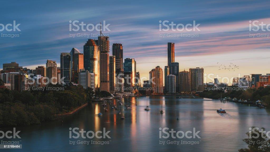 Amanhecer na cidade de Brisbane, do ponto de canguru - foto de acervo