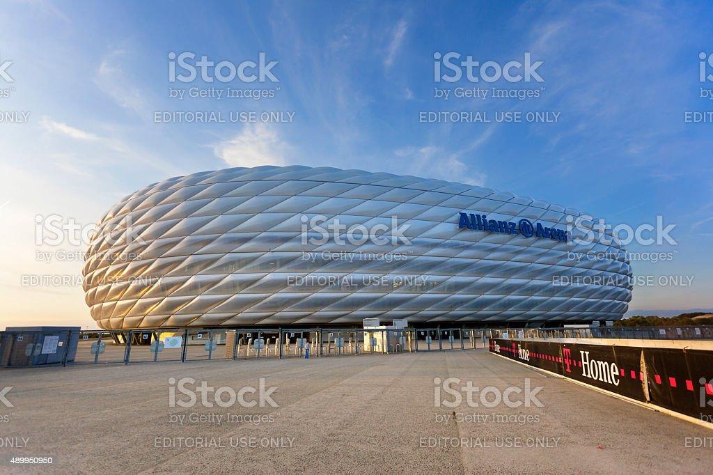 Dawn über beleuchtete Fußballstadion, der Allianz-Arena in München – Foto