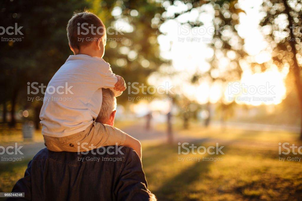 Une journée dans le parc avec Papy - Photo