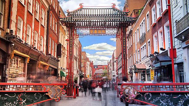 daytime long exposure in china town - chinatown stockfoto's en -beelden