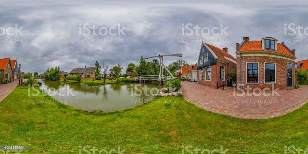 De Rijp - pequeño pueblo holandés histórico (panorama de 360 grados HDRi) - foto de stock