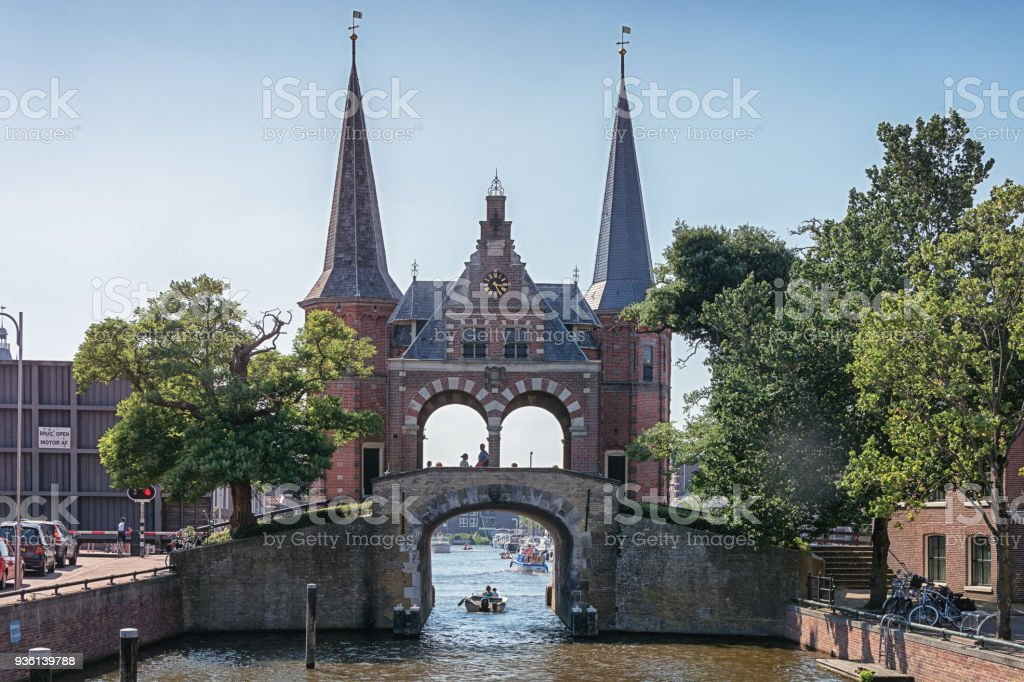 Sneeker de Waterpoort est le symbole de Sneek - Photo