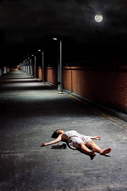 dead girl - totenfrau stock-fotos und bilder