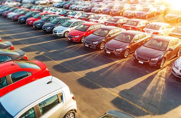 concessionario auto nuove stock - auto foto e immagini stock