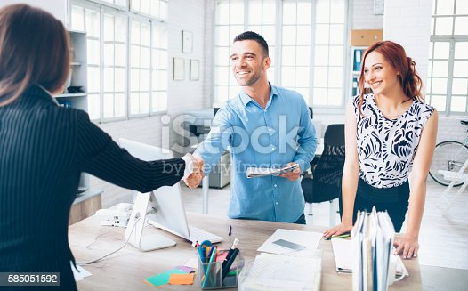 istock Dealing at the office 585051592