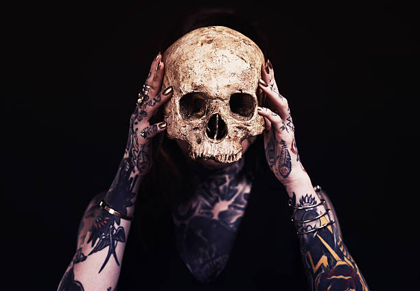 death mask - versteckte tattoos stock-fotos und bilder