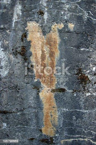 istock Decayed concrete 105768889