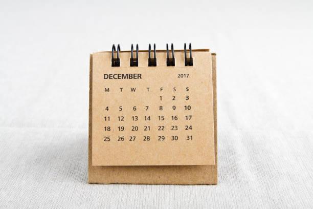 dezember. kalenderblatt. - donnerstagnachmittag stock-fotos und bilder