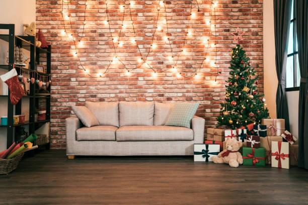 decorated cozy house with nobody indoor. - christmas background стоковые фото и изображения