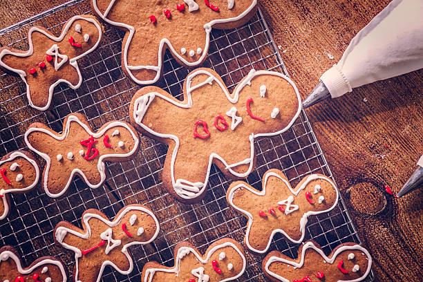 Decorating Christmas Cookies with Icing​​​ foto