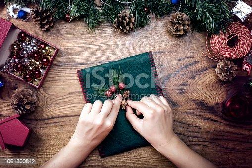 Decorating christmas gift