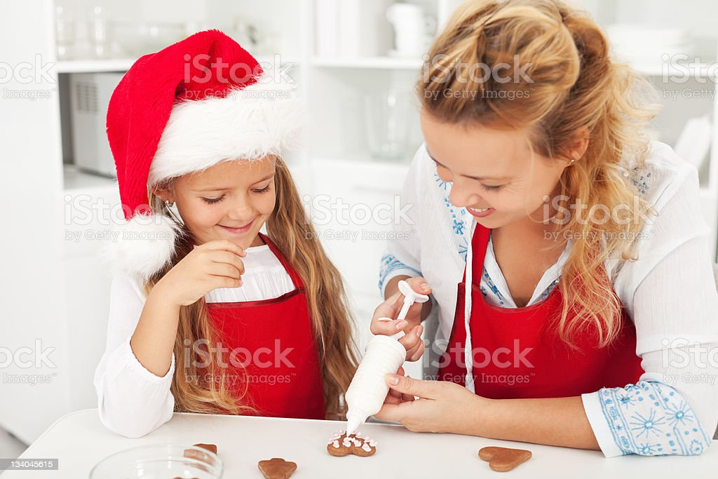 Decorating the gingerbread cookies royalty-free stock photo