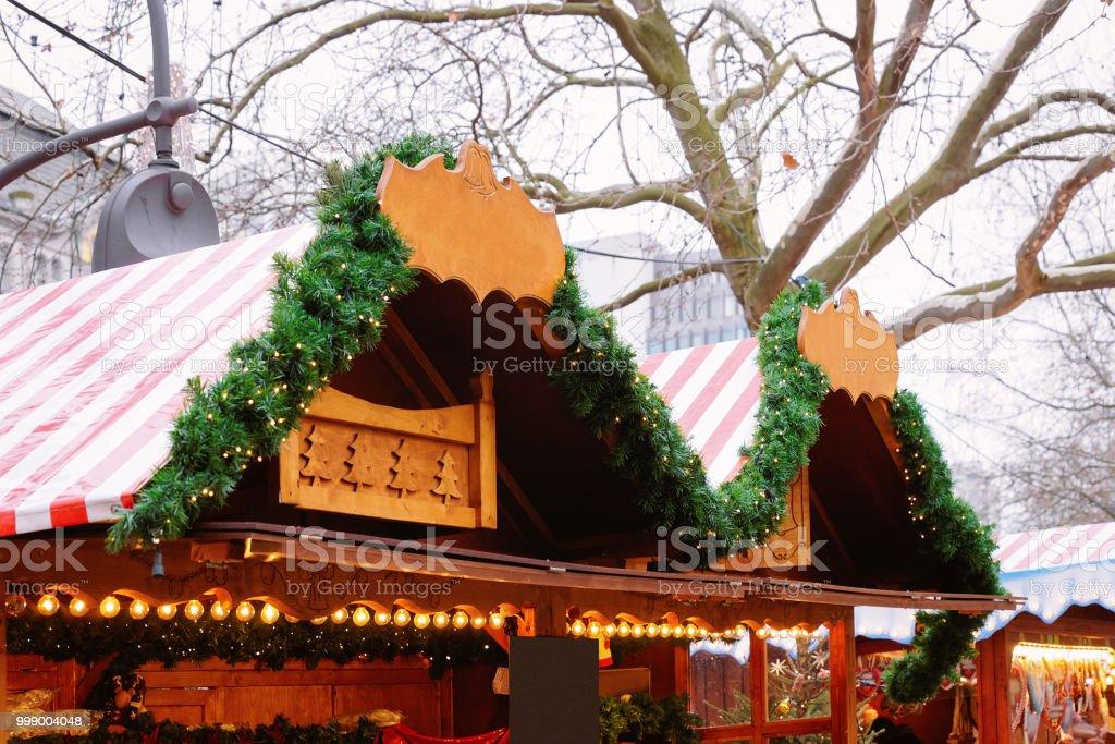 Dekoration Auf Weihnachtsmarkt An Der Kaiserwilhelmgedächtniskirche