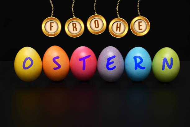 una decoración con el lema feliz pascua - lunes de pascua fotografías e imágenes de stock