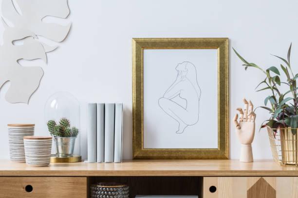 dekorationen für trendige innen weiß - sideboard skandinavisch stock-fotos und bilder