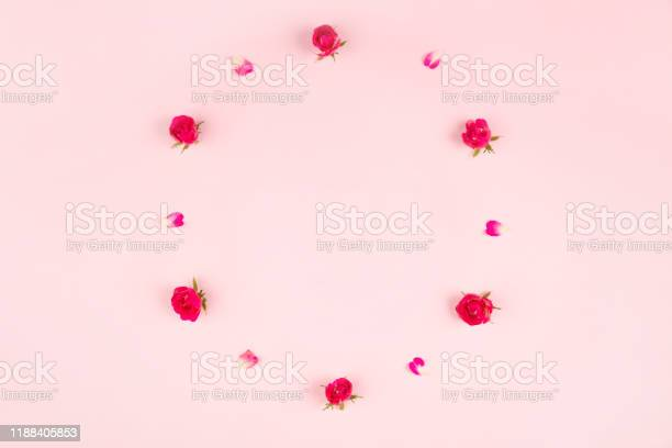 Decorative frame of roses and rose petals on pink background picture id1188405853?b=1&k=6&m=1188405853&s=612x612&h=umxrwyfezpaobsqulror2hzykyqpw nad0yeffl0jlc=