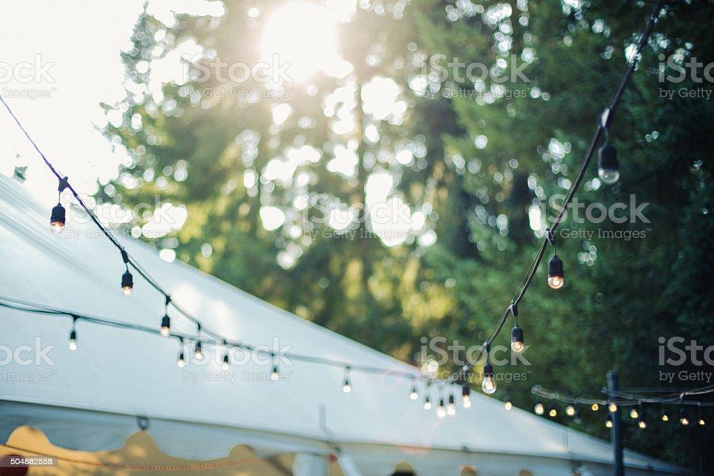 De luzes decorativas ao ar livre no jardim - foto de acervo
