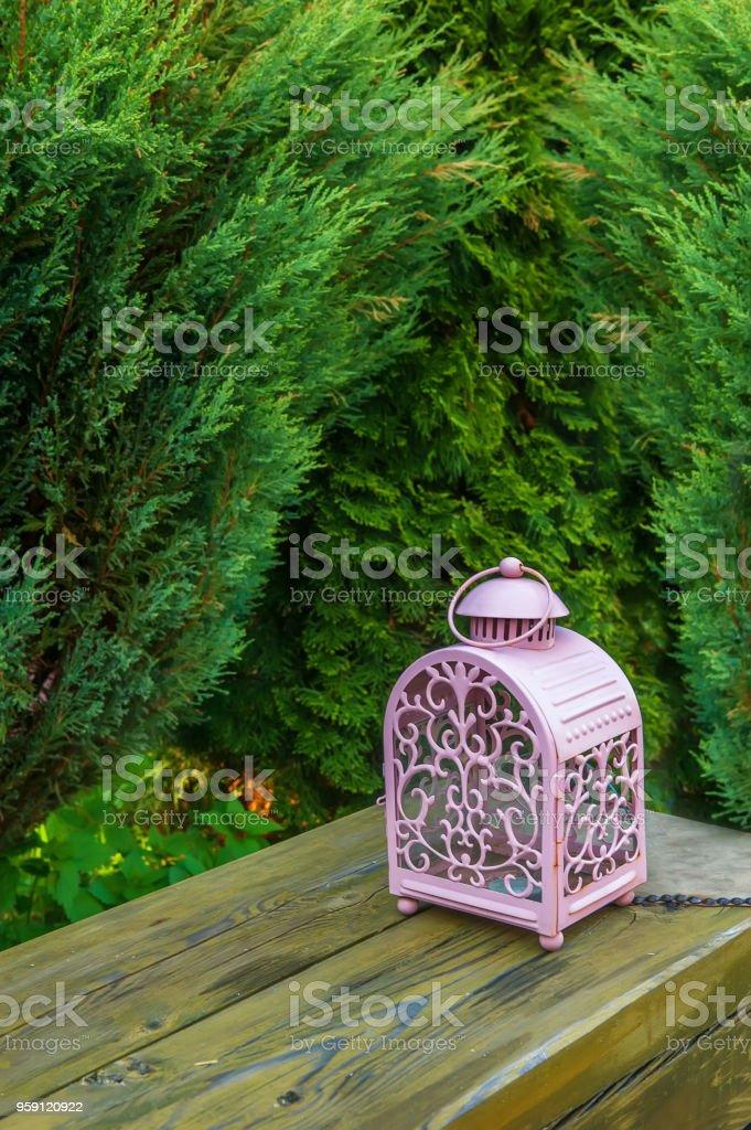 Photo libre de droit de Decoration Verre Rose Lampe Avec Des ...