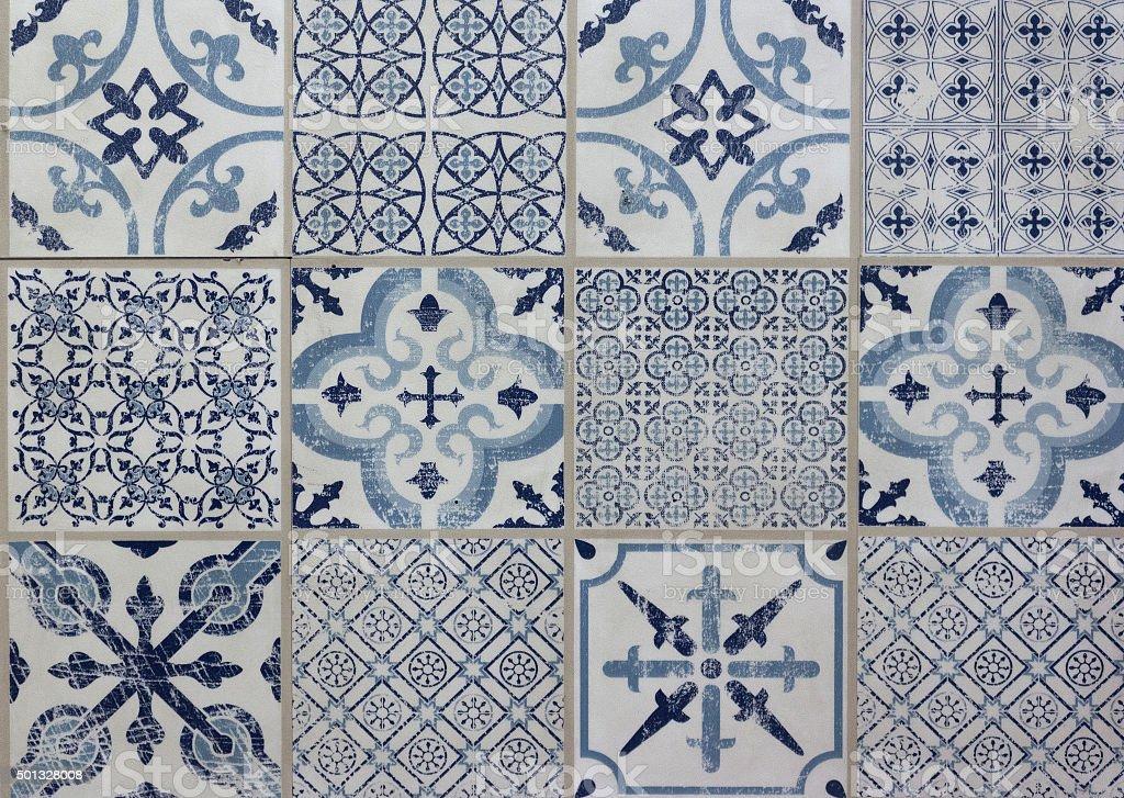 Piastrelle decorative motivo patchwork blu e bianco fotografie stock e altre immagini di 2015 - Piastrelle decorative ...