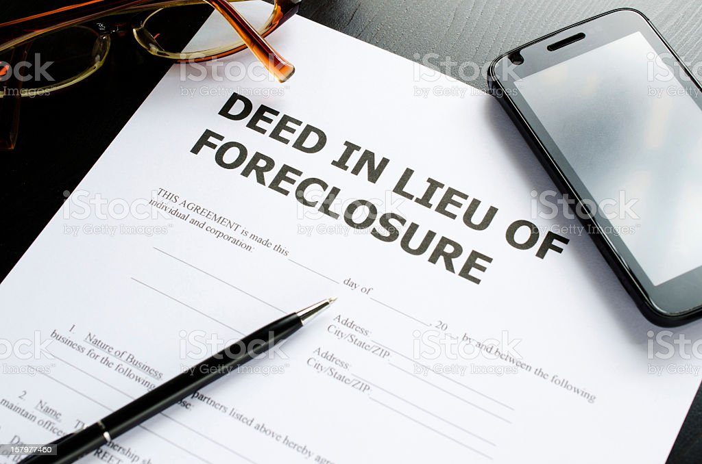 deed in lieu of foreclosure stock photo